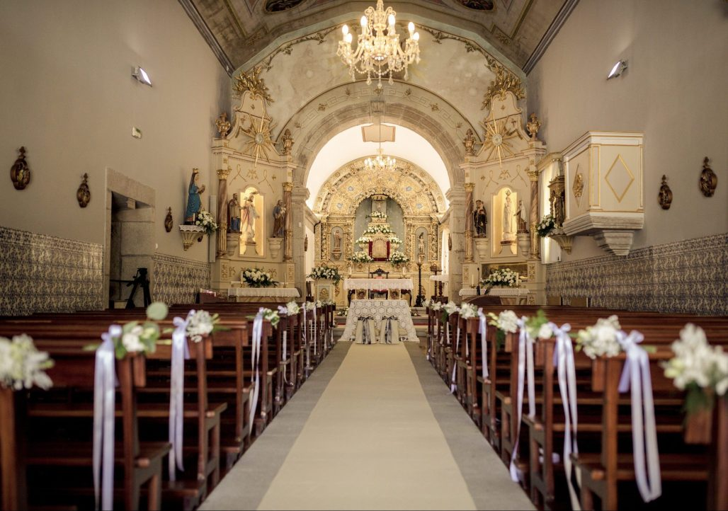 Modern Traditionalism meets a Floral Wonder for this Portugal Wedding at Aqueduto Eventos   Dreamery Events
