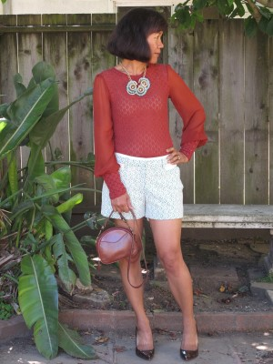 My vintage 1992 Talbots equestrian-inspired crossbody bag is the perfect accessory for this shorts outfit.