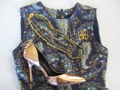 Metallic bronze pump completes this ensemble.