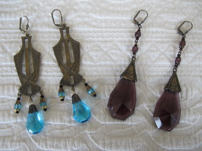 Dramatic and stunning 1920s Czech glass drop earrings!