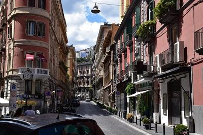 An upscale neighborhood in Napoli.