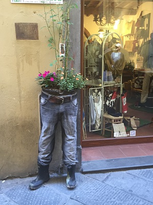 Storefront of an Italian eco-friendly clothing store.