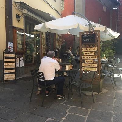 A charming café in Castelnuovo di Gafagnana.