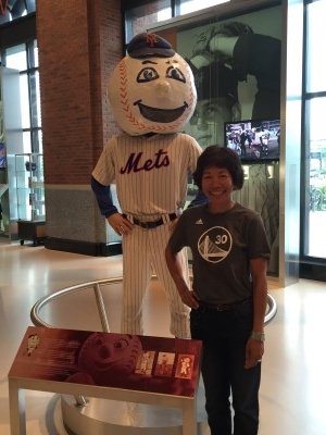 Me and Mr. Met (photo by David).