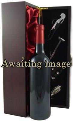 Hine Vieux  Cognac (1970's) with two engraved Cognac glasses