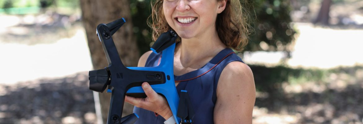 Skydio 2 unboxing drone girl