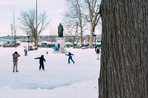 Shivering Songs - Winterfest (Adam Travis/The East)