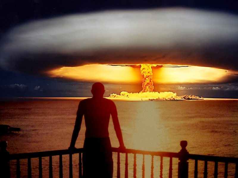 Atomic explosion transfixed over a sunset in the Dominican Republic. Artwork: _Gavroche_ via Flickr (CC BY).
