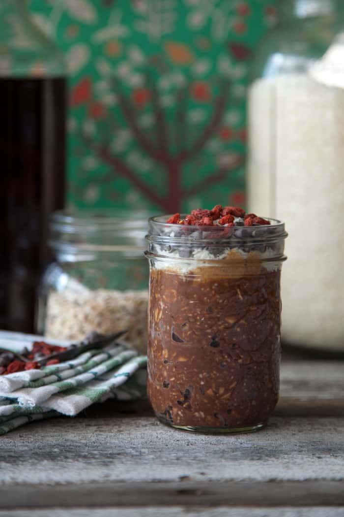 VEGAN chocolate overnight oats recipe