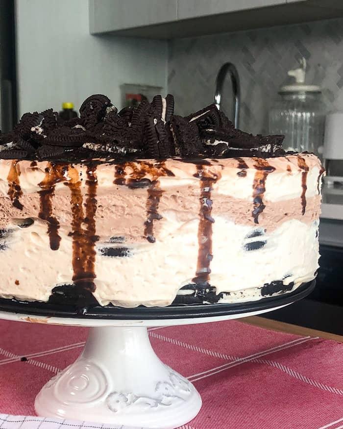 No-Bake Oreo Chocolate Peanut Butter Icebox Cake
