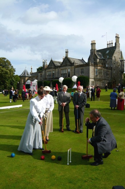 Living History Group helping to introduce Lauriston Castle history