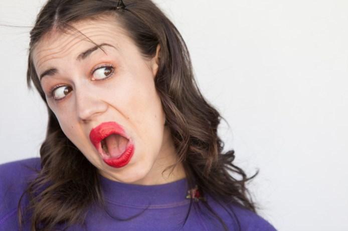 Colleen-Ballinger-as-Miranda-Sings-3