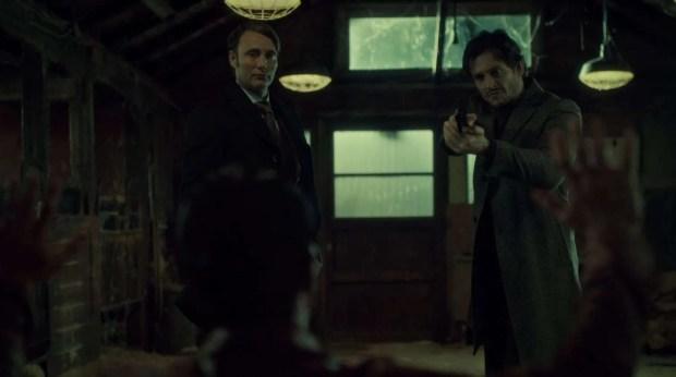 Hannibal-Season-2-Episode-8-Su-zakana-Will-and-Hannibal-with-a-gun