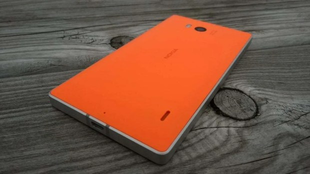 Nokia Lumia 930 rear shot
