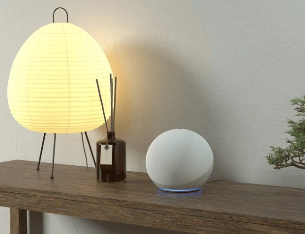 Echo on Table