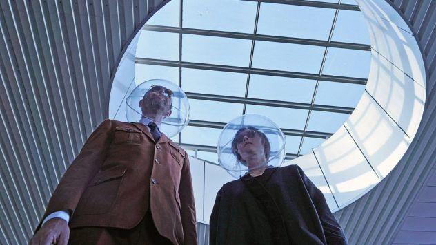 Plastique Fantastique makes iSphere bubble masks
