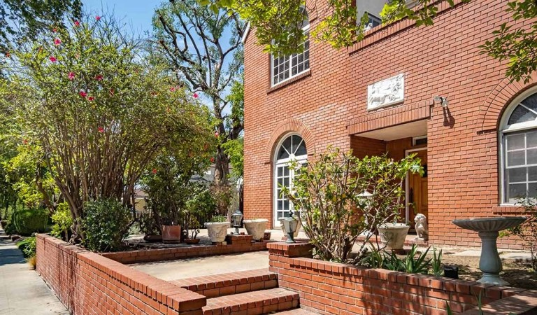 Jerry Pournelle's house is for sale