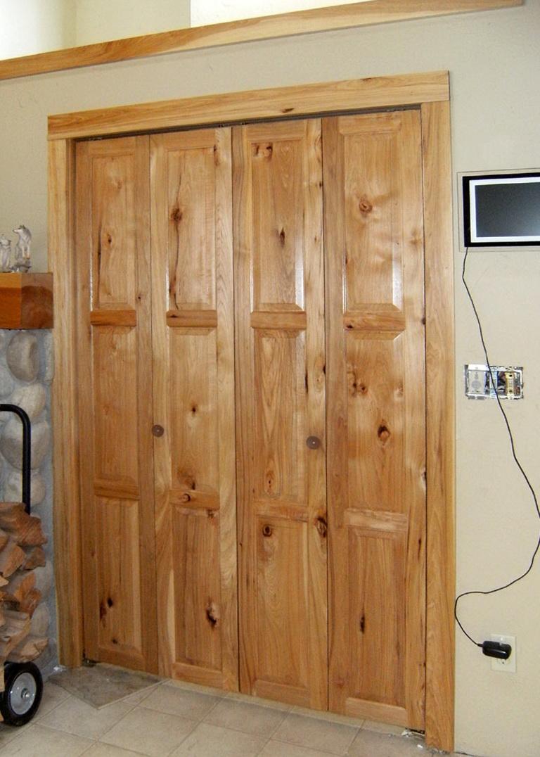 Rustic Bifold Closet Doors Home Design Ideas