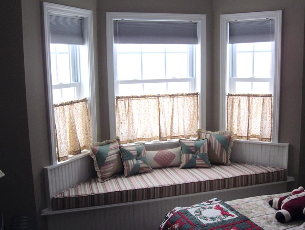 Small Bay Window Curtain Ideas Home Design Ideas