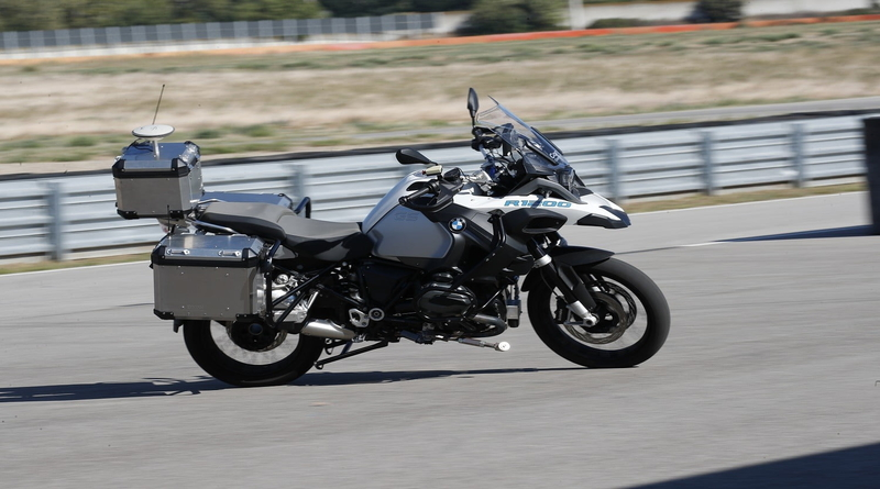 BMW debuts self-driving motorcycle.