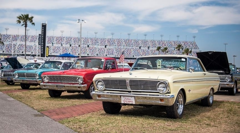 And as we barrel toward Thanksgiving, and many car lovers are reluctantly forced indoors, one event stands out for its ability to unite us all, kick the cold, and reign supreme as a beloved, decades-long show, swap meet, and car corral. That's right. It's time for the 45th Annual 2018 Daytona Turkey Run.