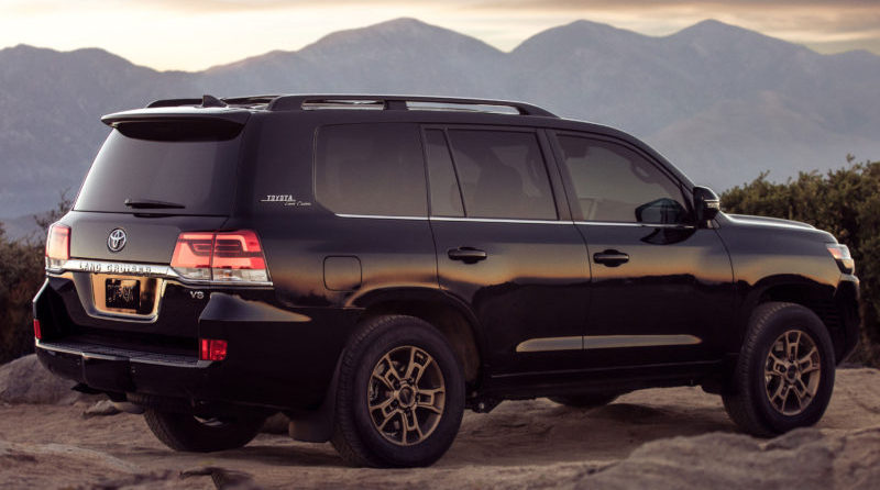 Fans can get a peak of the 2020 Toyota Land Cruiser Heritage Edition at the 2019 Chicago Auto Show.