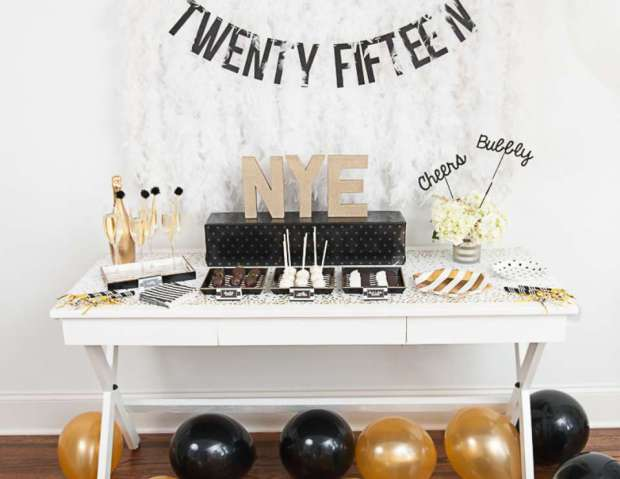 The Everyday Hostess - Black White and Gold NYE Tablescape