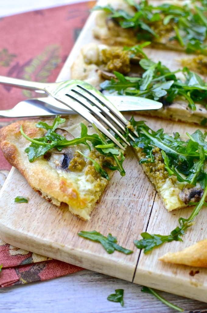 Mushroom Pesto Arugula Flatbread - Get the recipe at www.mybottomlessboyfriend.com