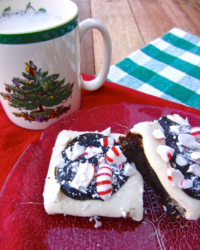 Peppermint Patty Brownies are TO DIE FOR! Get the recipe at www.mybottomlessboyfriend.com