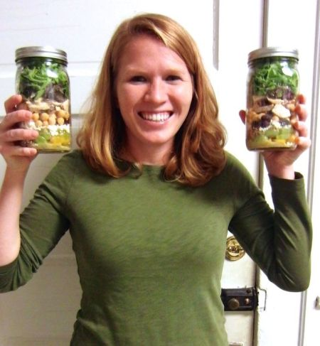 Happy about salad jars! www.mybottomlessboyfriend.com
