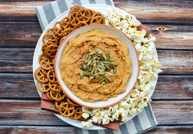 There are many more than 5 reasons to love this 5-Minute Smoky Pumpkin Hummus | www.mybottomlessboyfriend.com