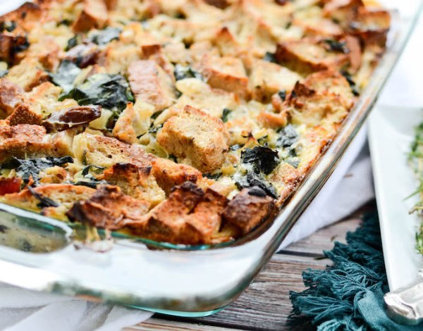 5 STARS to this Turkey Sausage & Kale Bread Pudding. Seriously good. | www.mybottomlessboyfriend.com