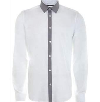 Baju jahitan keren ini dikerjakan oleh tikang jahit berpengalaman yang memahami kebutuhan pelanggan.