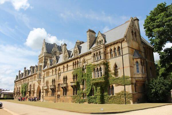 ऑक्सफ़ोर्ड यूनिवर्सिटी के बारे में मजेदार तथ्य | 10 Interesting Facts about Oxford University in Hindi