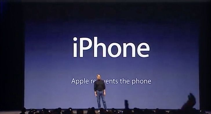 Steve Jobs used sleight of hand at the first iPhone presentation.