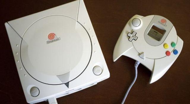 A white Dreamcast console
