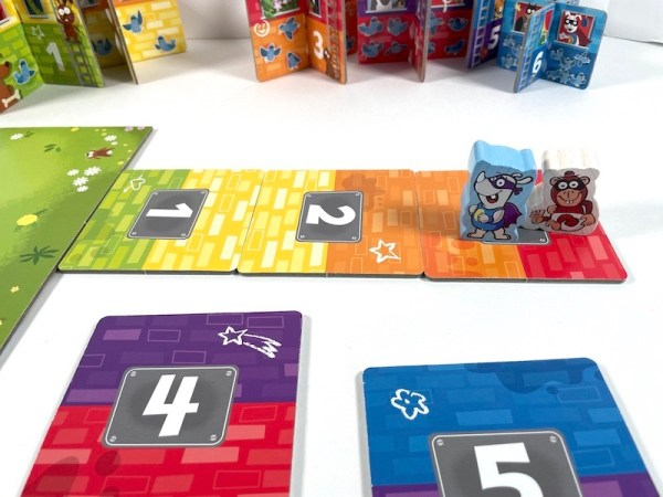 Match floor colors with Rhino Hero Junior