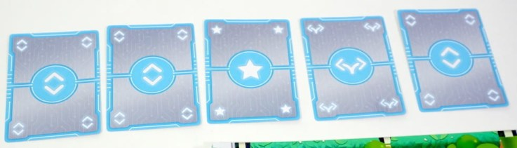5 cards face down: move, move, star, turn, move