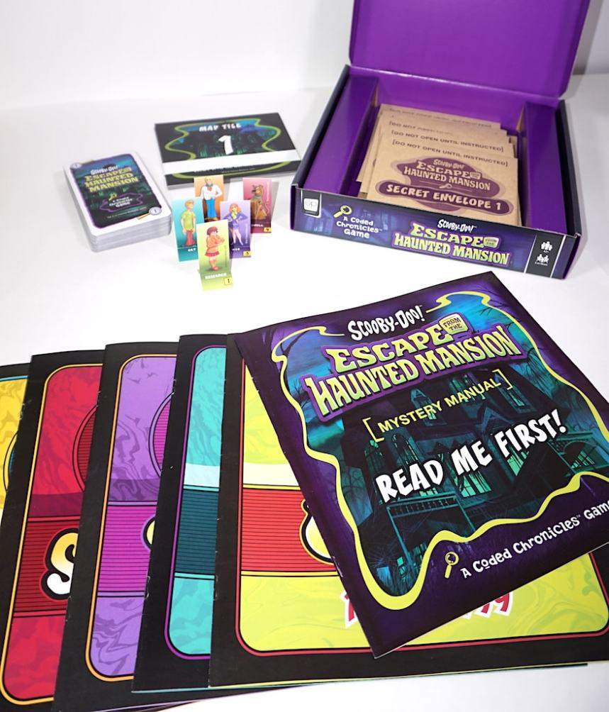 Scooby Doo: Escape from the Haunted Mansion - what's in the box