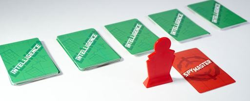 Spymaster pawn, Spymaster card, 5 stacks of Intelligence cards