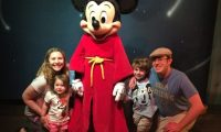 Meeting Mickey Mouse at Disneyland