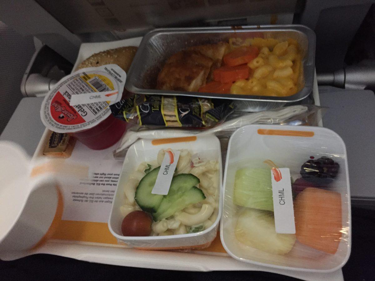 flying Lufthansa with kids, Lufthansa kids meal
