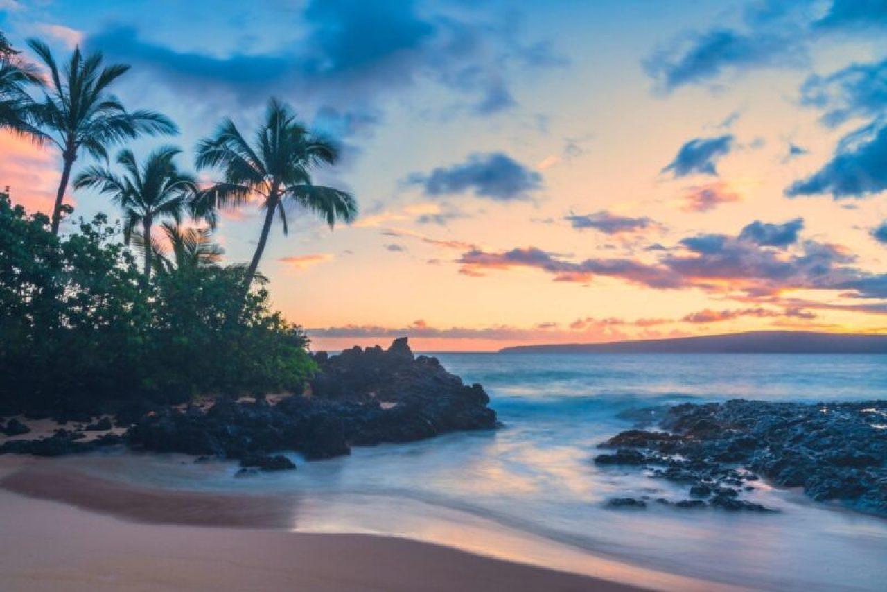Stunning sunset on Maui, Hawaii