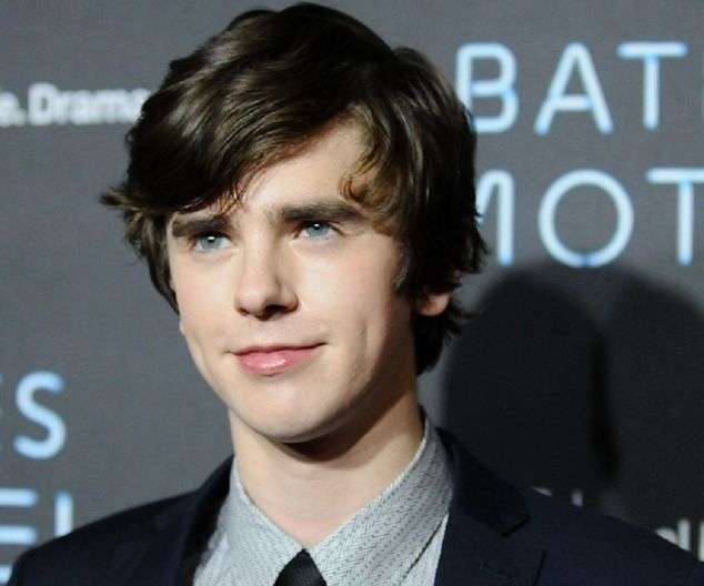 Freddie Highmore Biography - Facts, Childhood, Family Life & Achievements of English Actor