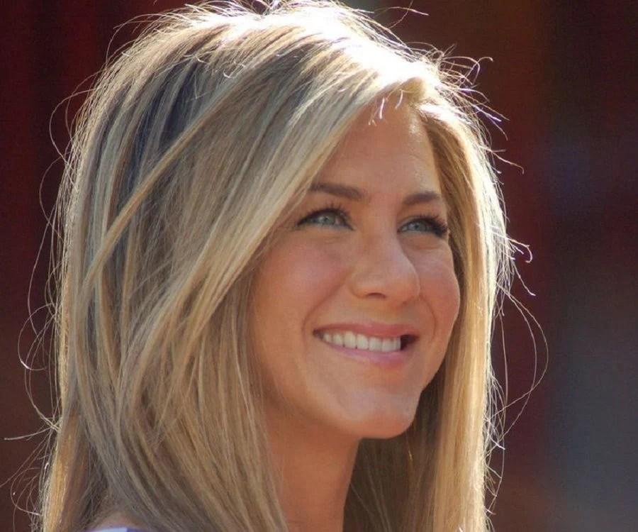 Jennifer Aniston Biography Childhood Life Achievements