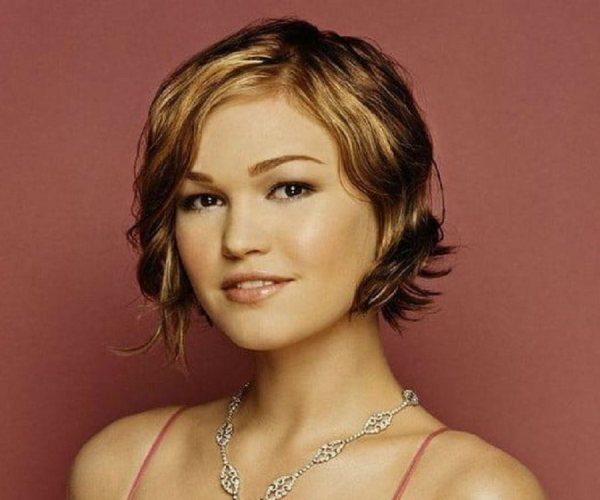 Julia Stiles Biography - Childhood, Life Achievements ...