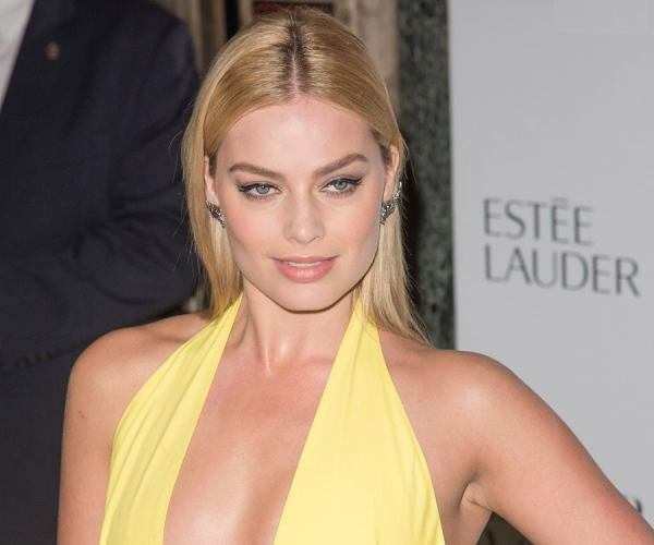 Margot Robbie Biography - Facts, Childhood, Family Life ...