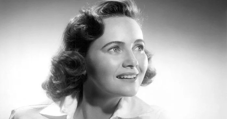 Teresa Wright Biography Childhood Life Achievements