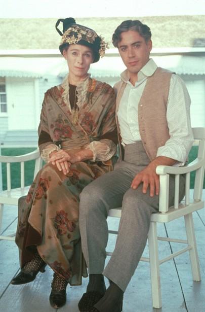Geraldine Chaplin,Robert Downey Jr.