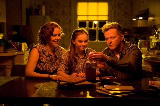Aidan Quinn,Madeline Carroll,Penelope Ann Miller